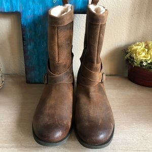 40d23e9d212 UGG Glendale Waterproof Leather Block Heel Boots